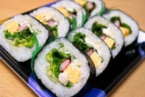 Oficina sobre Makizushi (sushi enrolado) será uma das opções oferecidas pelo Sesc Taubaté